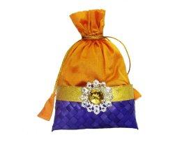 http://www.weddingpitara.com/collections/potlis/products/potli-9